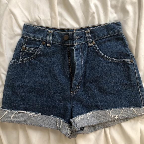 Levi's denim shorts- juniors 9